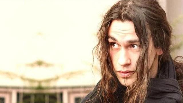 Kahreden ölüm! Genç oyuncu Avni Burak Yenice beyin damarı çatlaması sonucu hayatını kaybetti