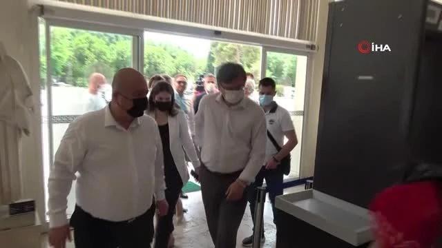 """Ukrayna Dışişleri Bakanı Dmitro Kuleba: """"Tüm Ukraynalı turistleri Antalya'ya gelmeye davet ediyorum"""""""
