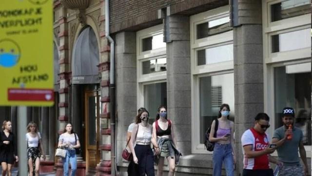 amsterdam hollanda da kapali alanlarda maske 14227647 4171 o