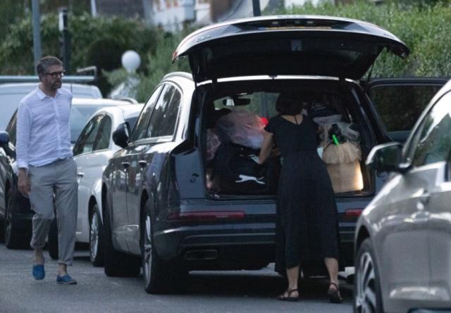 İngiltere Sağlık Bakanı ile öpüşen danışman, ifşadan birkaç saat önce evi terk etmiş! Kocası kendi elleriyle uğurlamış