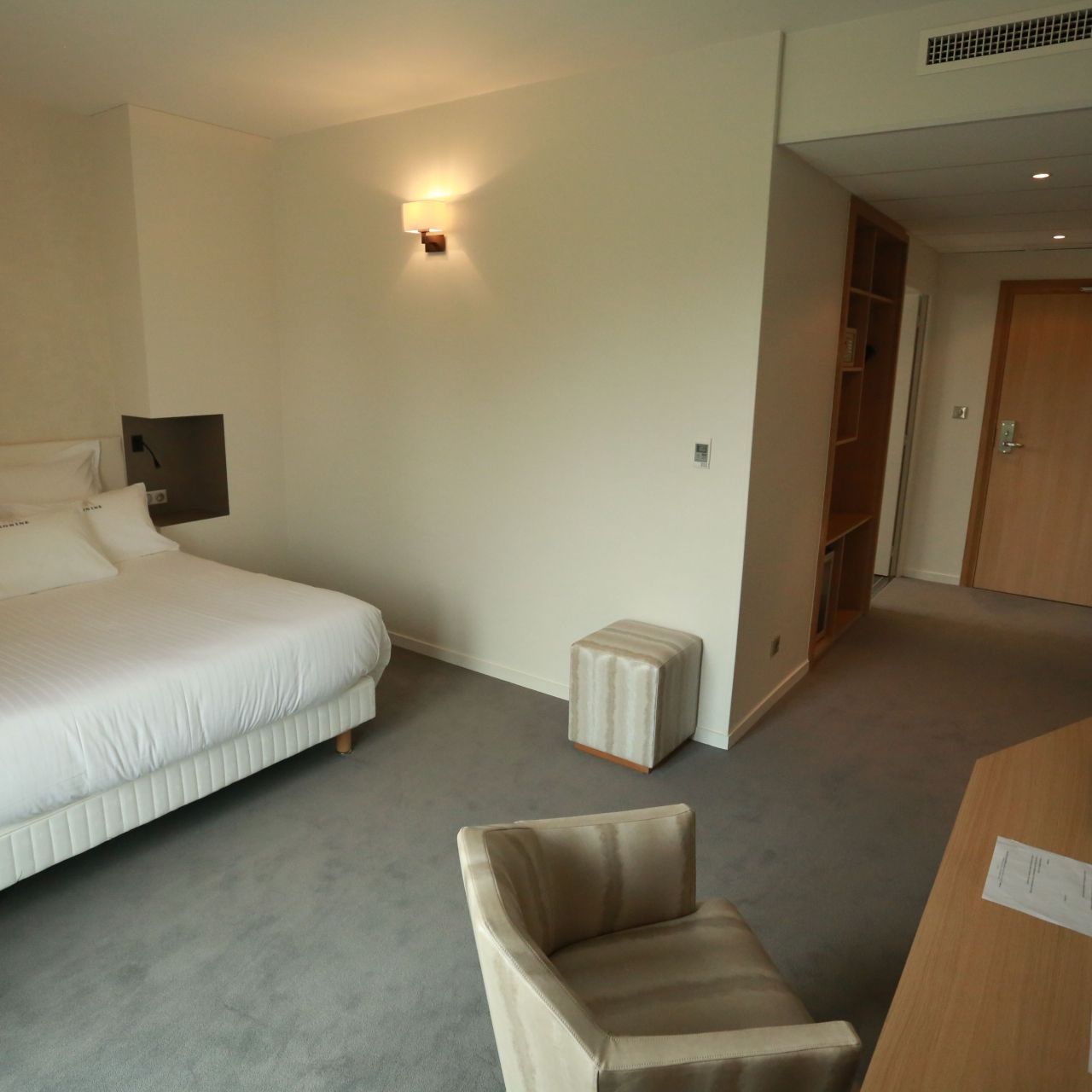 3 hrs star hotel in montceau les mines