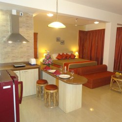 Hotel Casa Amarilla Serviced Suites 3 HRS star hotel in Taleigao State of Goa