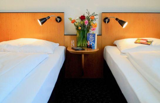 Hotels Near Estrel Convention Center