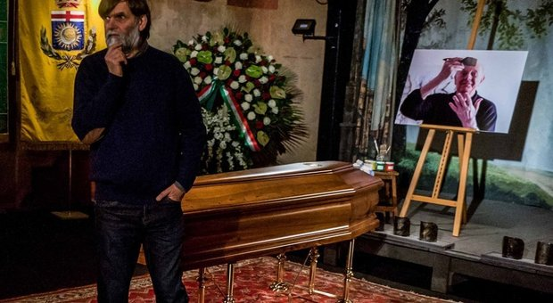 Dario Fo La Camera Ardente A Milano Il Figlio Jacopo Ora