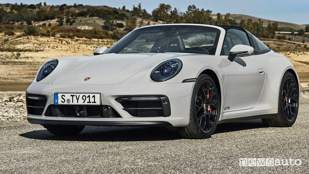 Profile view of the new Porsche 911 Targa GTS
