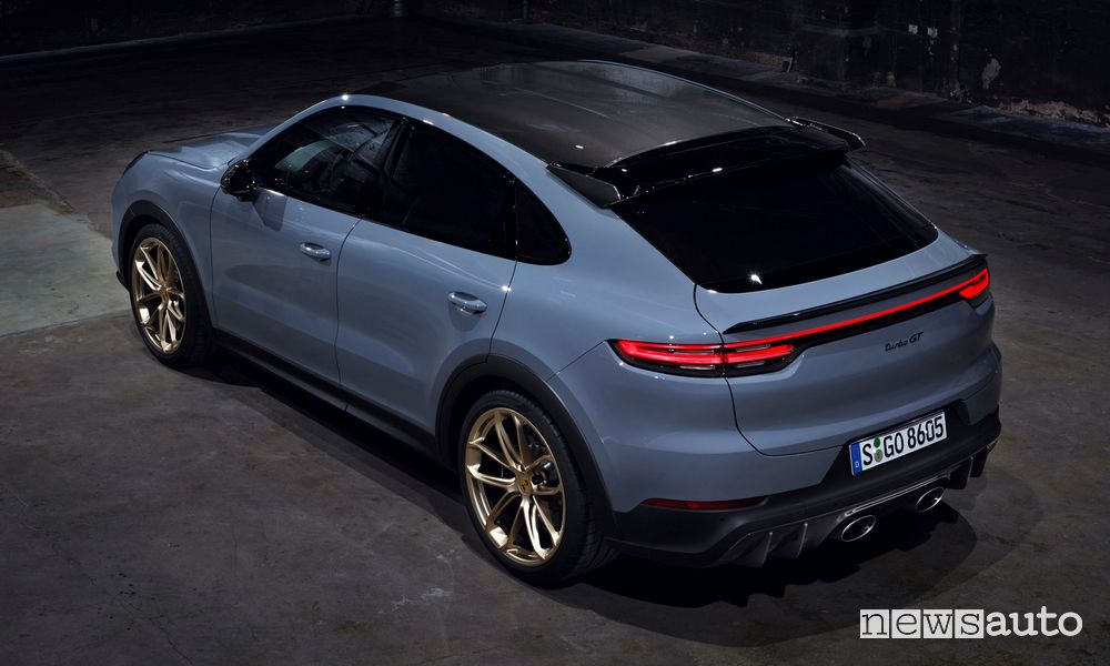 Rear view of the new Porsche Cayenne Turbo GT