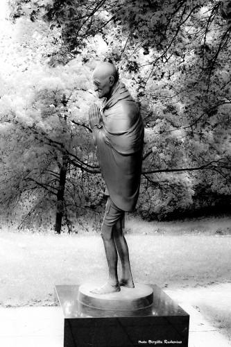 statue_20140424_gandhi1