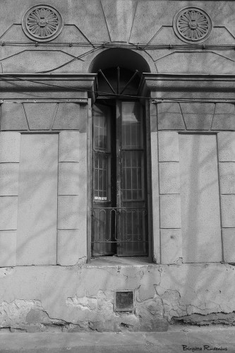 bw_20150407_window1