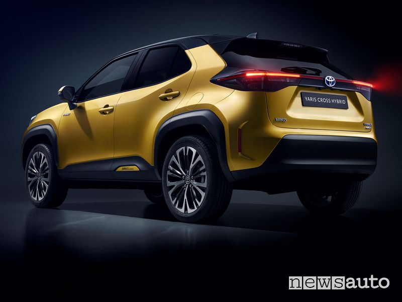 Toyota Yaris Cross rear view