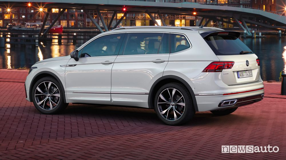 Volkswagen Tiguan Allspace rear view