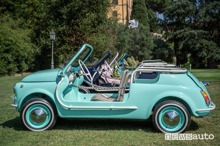 Side view Fiat 500 Jolly Icon-e Electric beach