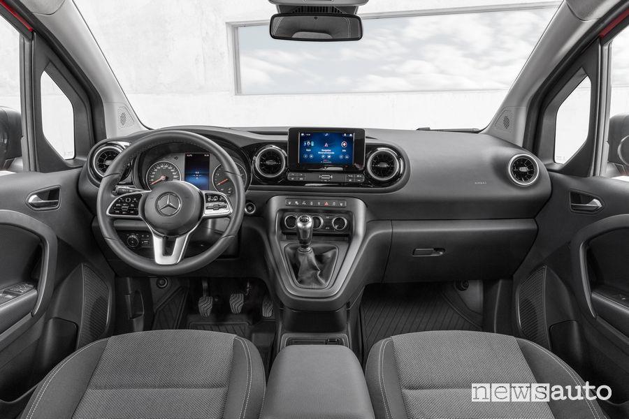 New Mercedes-Benz Citan Tourer cockpit instrument panel