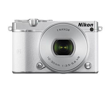 Nikon 1 J5 + Nikkor PDZ VR 10–30/3.5–5.6 Vit