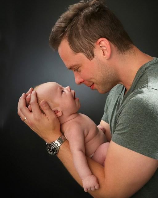 Isä ja vastasynytynyt