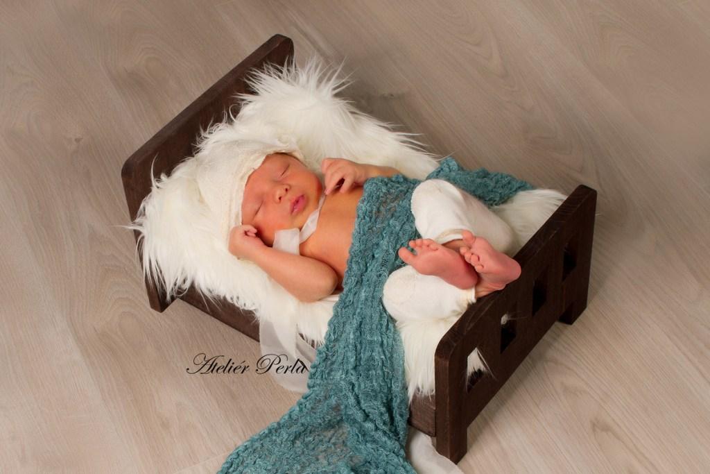 Newborn focení doma, Newborn