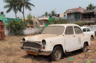 Schrottplatz, Ersatzteillager oder Verkaufsofferte? Die Grenzen sind in Indien oft fließend