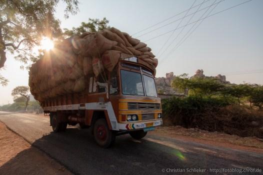 Karnatka Lastwagen