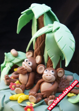 Bolo Macacos na Selva