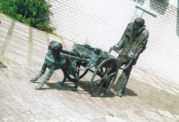 man met hondekar (1992)
