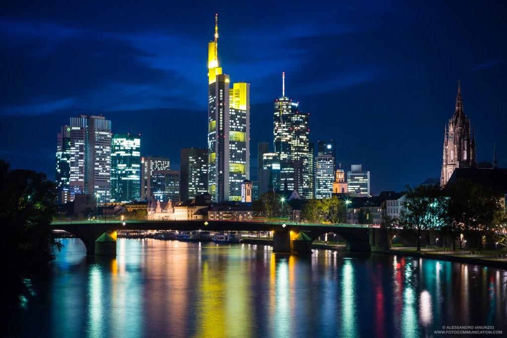Skyline Francoforte di Notte, Germania