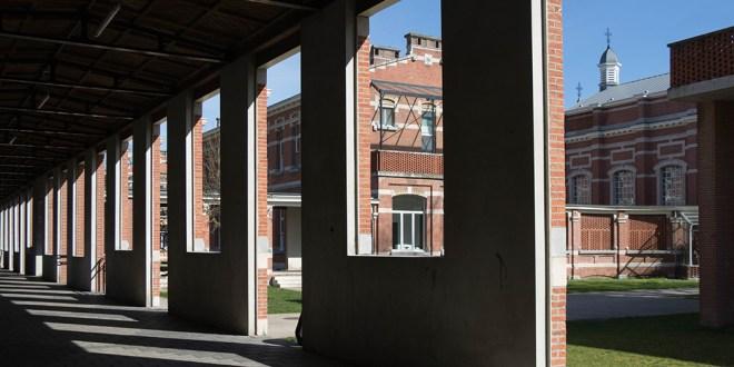 Ria Morren – Blik door het raam