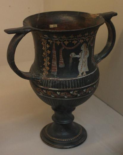 Kantaros z kapłanką spełniającą libację; południowa Apulia, ok. 290/280 BC. British Museum, Londyn.