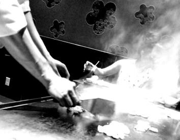 teppanyaki chef cooking