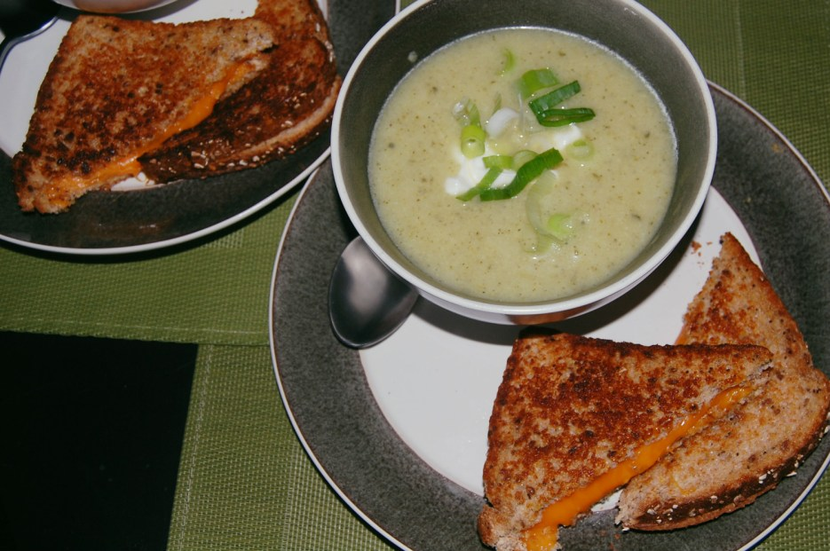 cauliflower zucchini soup and grilled cheese