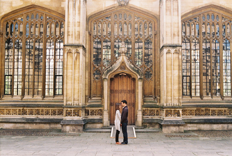 romantic portrait of couple in Oxford