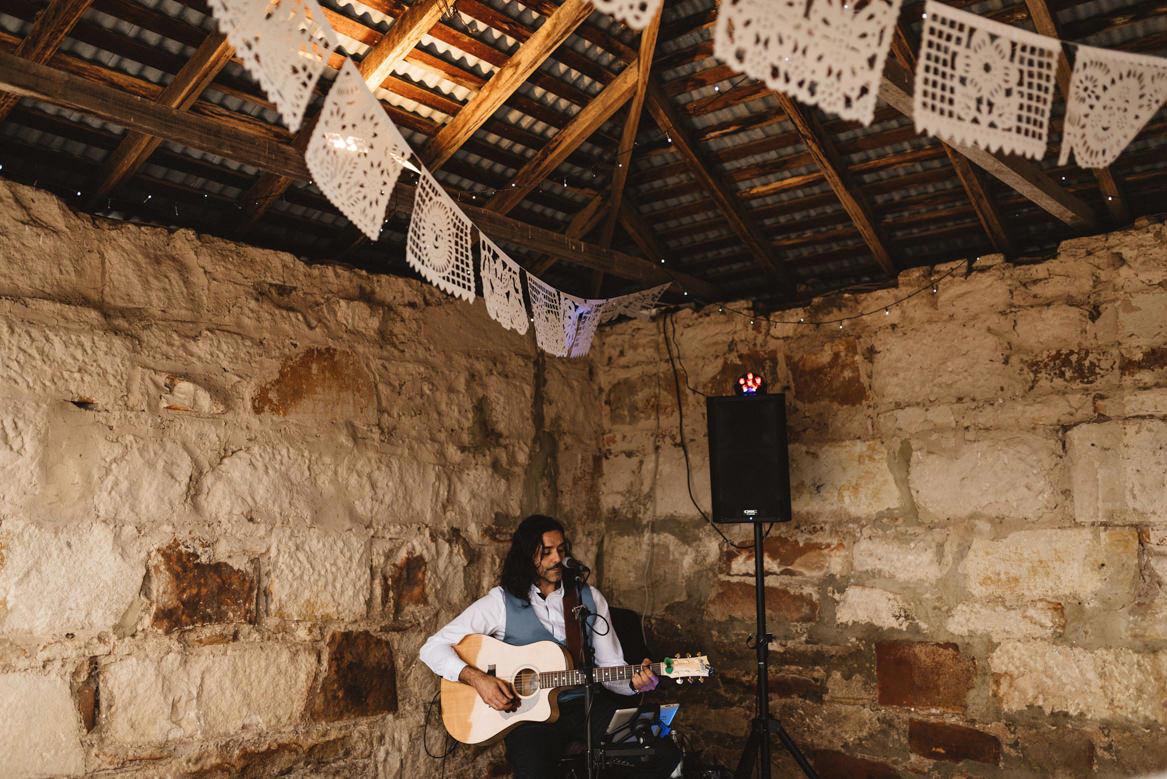 tasmania wedding photographer guitar player