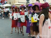 Flashmob presentazione quadri duranta l'infiorata di Noto