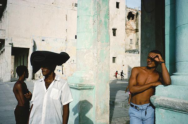 Alex Webb scena di vita Havana Cuba fotografia