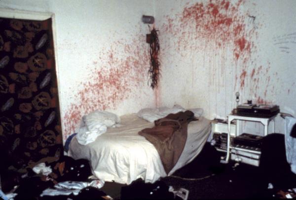 Nan+Goldin+ fotografia stanza sangue letto