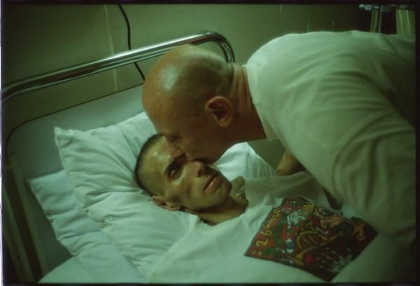gotscho-kissing-gilles-Paris-France1993.jpg