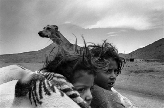 Nikos Economopoulos bianco e nero fotografia balcani