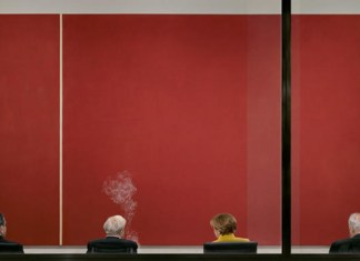andreas Gursky fotografia persone che fumano