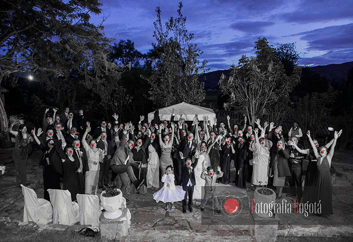 fotografia-de-bodas-y-matrimonio-nariz-de-payaso-punta-larga-boyaca-profesional