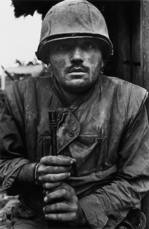 Shell-Shocked U.S. Marine, Tet Offensive, Hue, Vietnam, 1968 © Don McCULLIN (CONTACT PRESS IMAGES)