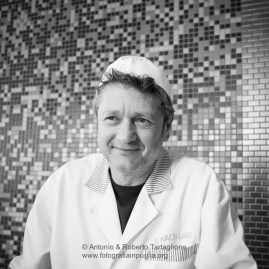 """Michele Cito, imprenditore Socio del Presidio Slow Food """"Capocollo di Martina Franca"""", nel suo laboratorio"""