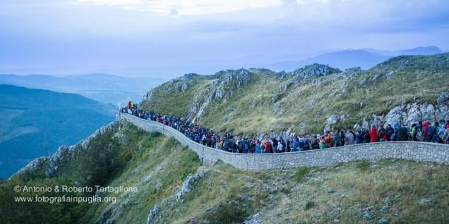 La processione che scende dal Sacromonte all'alba dellla domenica 6 settembre.
