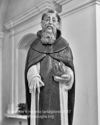 Rotondella (MT). La statua lignea di Sant'Antonio Abate nella Chiesa Madre. Il fuoco è uno degli attributi tradizionali del santo.