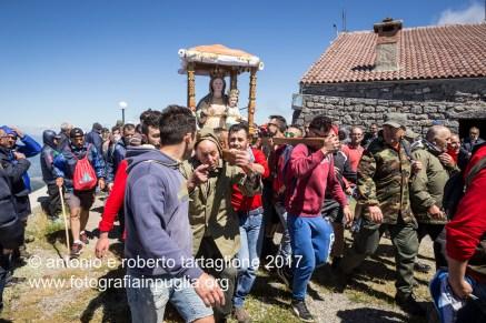 Lagonegro (PZ) - Santuario della Madonna del Sirino a 1950 mt di altezza. L'arrivo della processione.