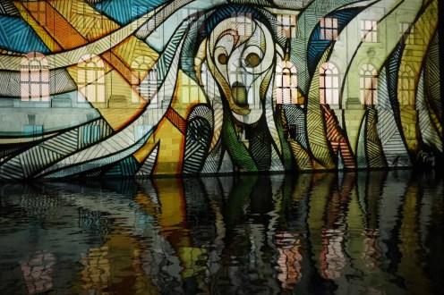 """Projektion """"Der Schrei"""" von Edvard Munch - Spreeseite des Bodemuseums"""