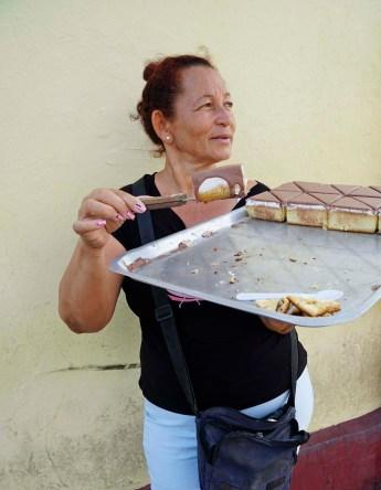 Ein Stück Kuchen für einen CUC, Cienfuegos
