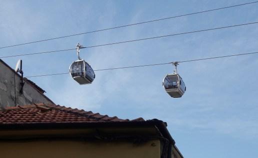 Die Seilbahn verbindet die Stadtteile Ribeira und Vila de Gaia.