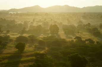 Morgennebel über Bagan, Myanmar