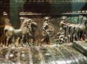 Detail aus dem Bronzekrater der Fürstin von Vix (https://de.wikipedia.org/wiki/F%C3%BCrstliche_Grabst%C3%A4tte_von_Vix)