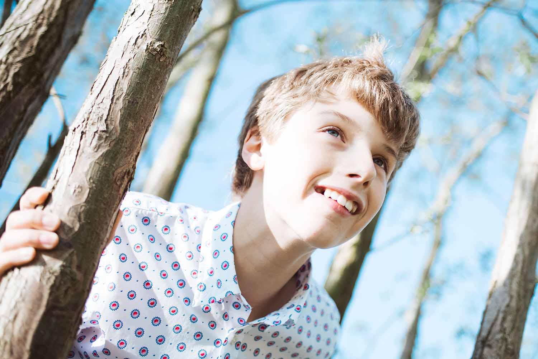 communie jongen natuur portret