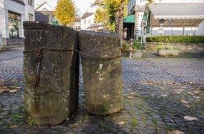 Gefesselte Steine