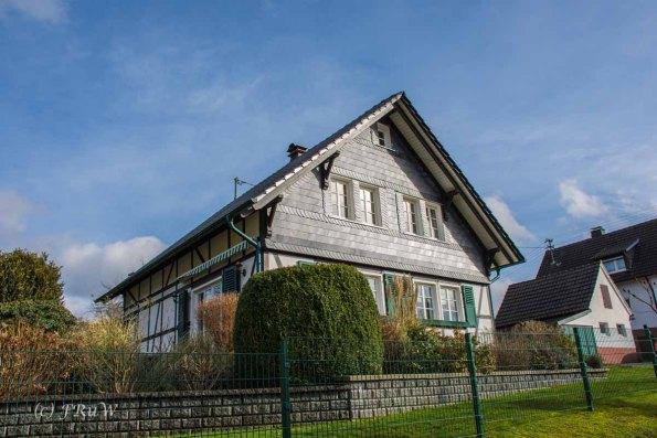 Waldmythenweg (123)
